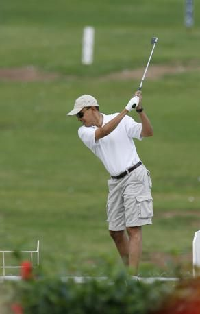 Celebrities' swing: featuring Barack Obama  - Blue Team Golf